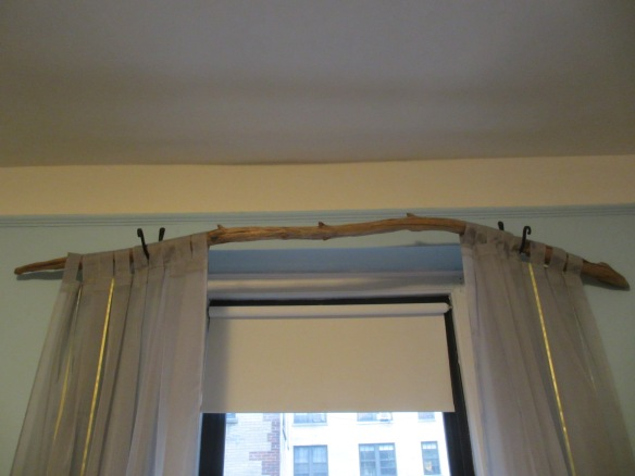 Tree Branch Curtain Rod by somethingwewhippedup.com