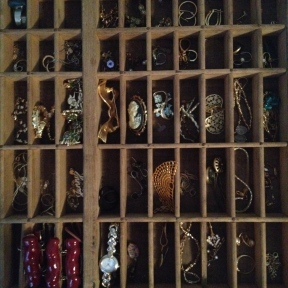 Now there are 196 cubbies to organize all the jewelry (somethingwewhippedup.com)