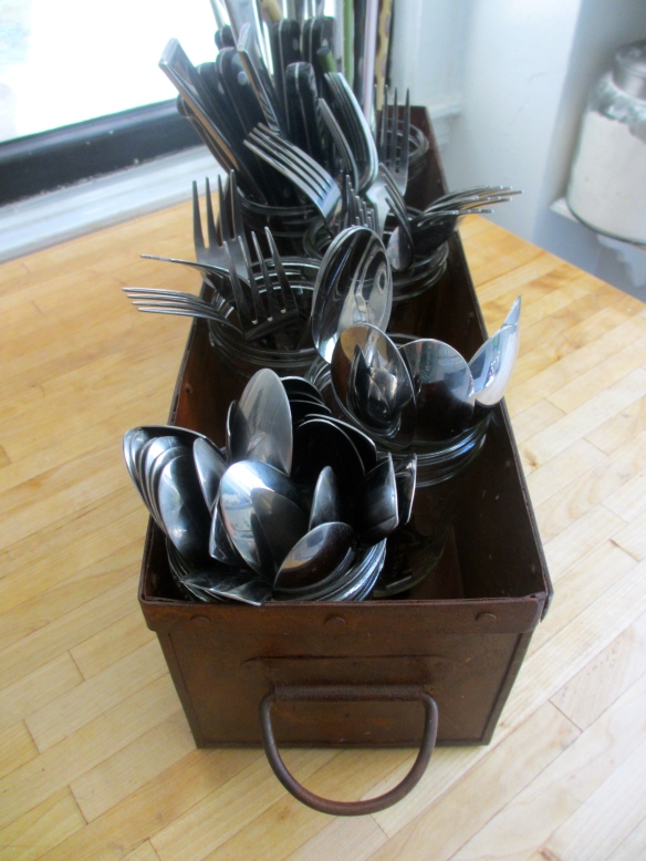 Utensil Caddy made from an antique metal bin by somethingwewhippedup.com