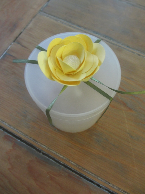 DIY Paper Flowers by somethingwewhippedup.com