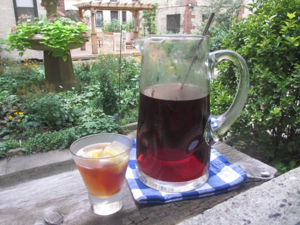 Southern Sweet Tea with Lemon Ice Cubes by somethingwewhippedup.com